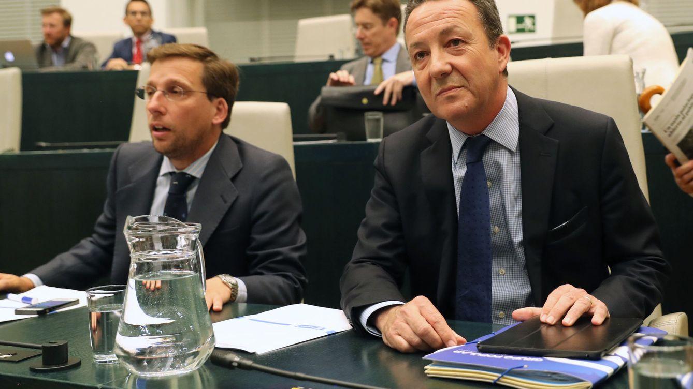Guerra de sucesión: Cifuentes busca laminar el 'aguirrismo' del Ayuntamiento de Madrid