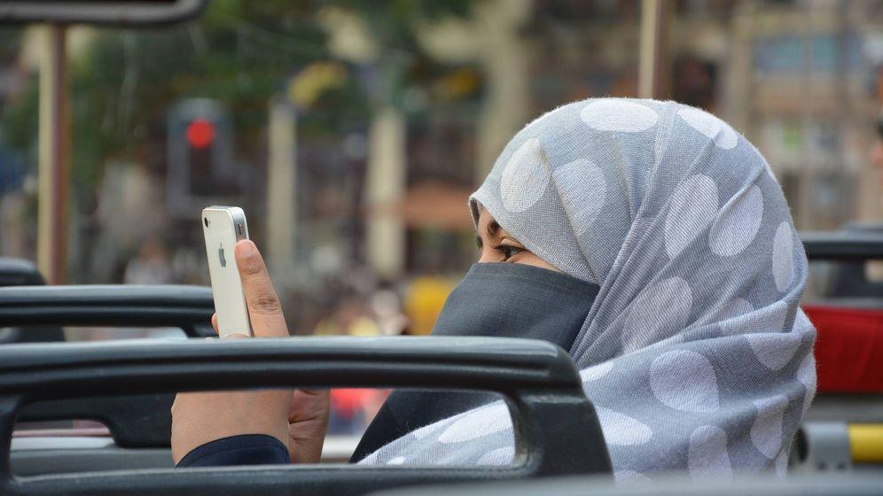Foto: Las mujeres árabes también sufren la brecha de género en las redes sociales (Pixabay)