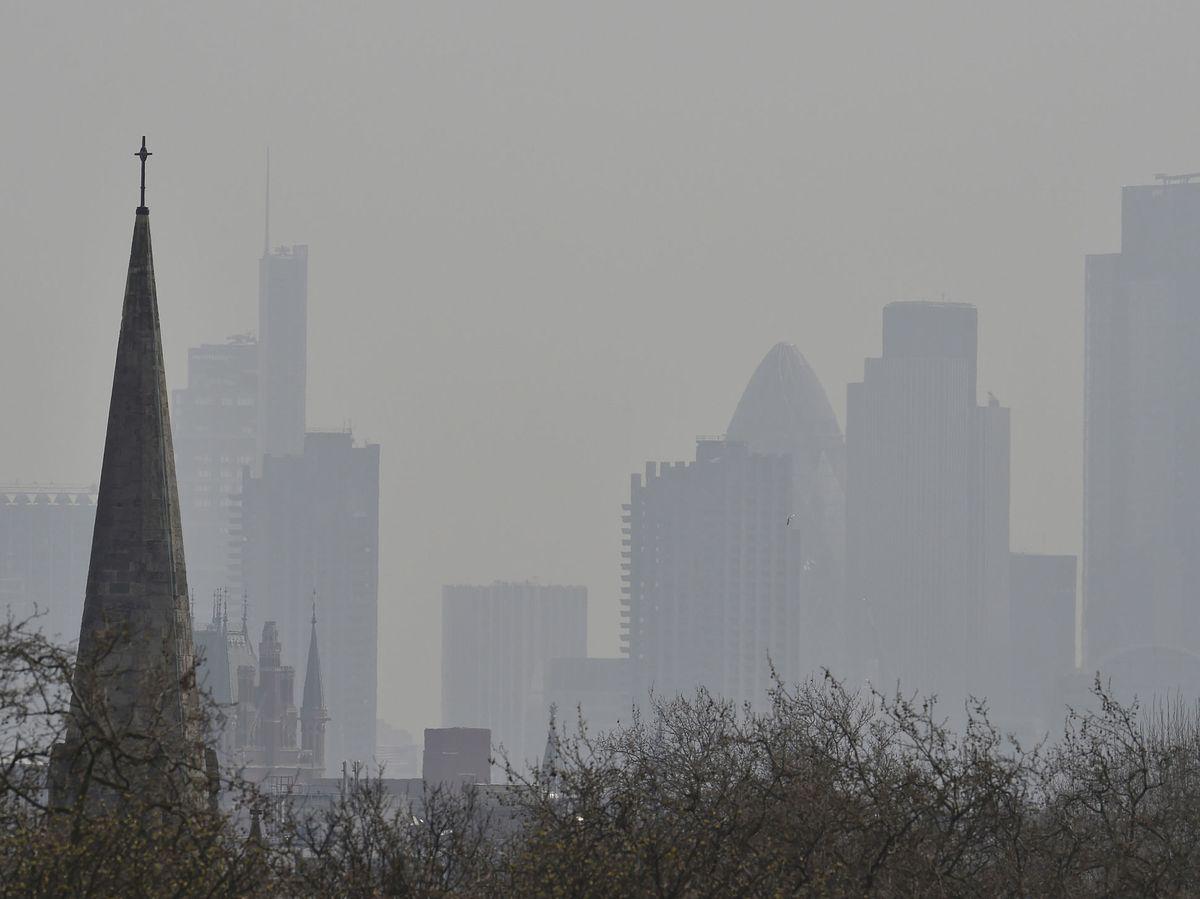 Foto: Altos niveles de contaminación en la ciudad de Londres. Reuters