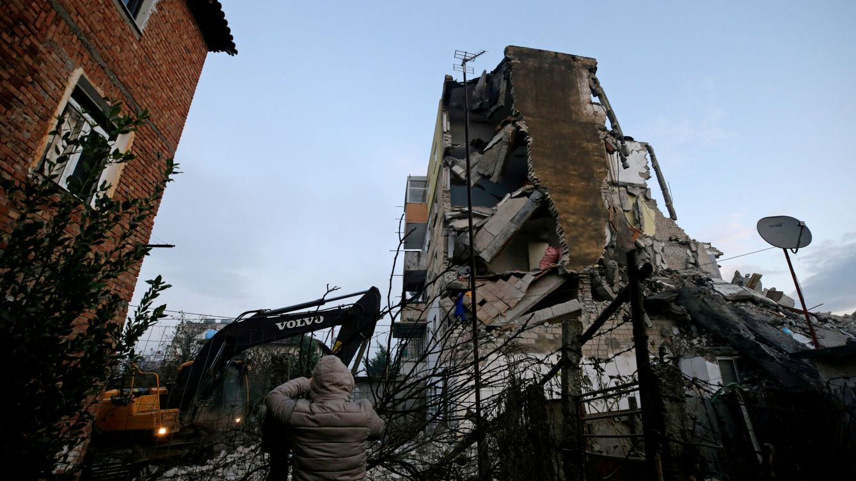 Ascienden a 40 las víctimas mortales en el terremoto en Albania
