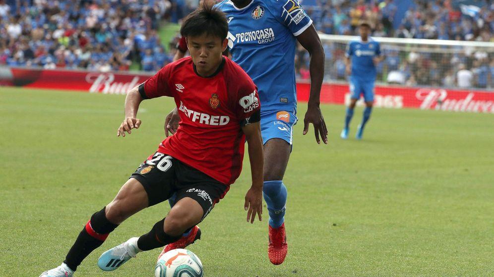 Foto: Kubo en el partido que disputó el Mallorca contra el Getafe en el Coliseum. (Efe)