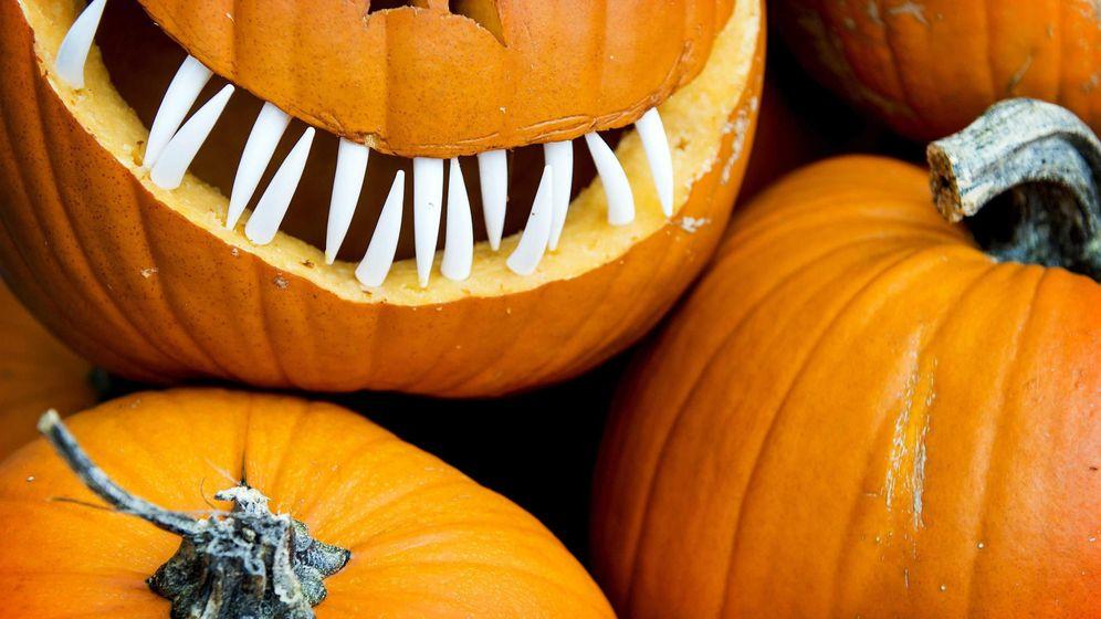Foto: Las calabazas se decoran con formas de caras terroríficas (EFE)