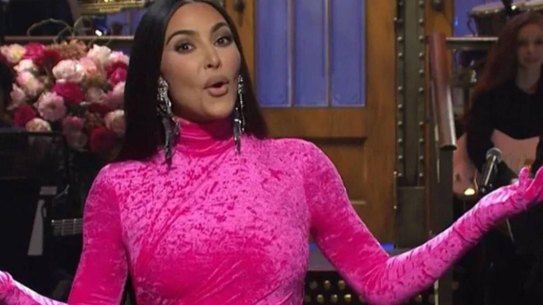 Kim Kardashian, durante su monólogo en 'Saturday Night Live' para la NBC. (Cortesía)