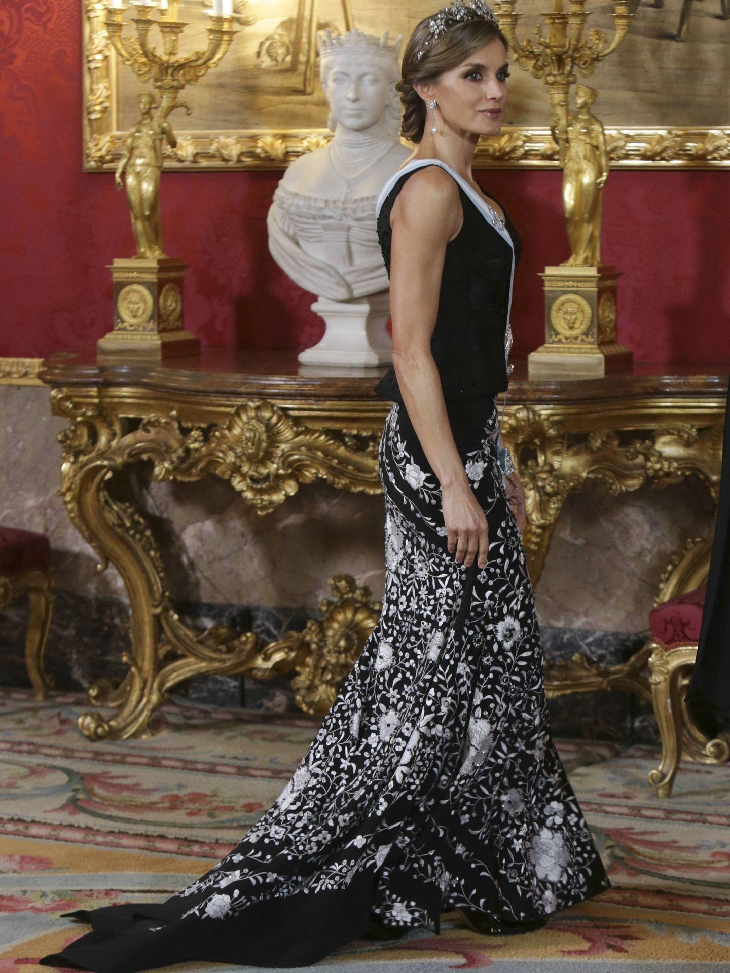 El look completo de la Reina. (Gtres)