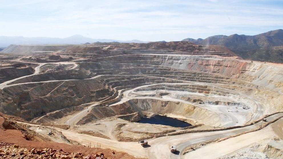 Las mineras brillan en bolsa gracias a la sed de commodities de los inversores