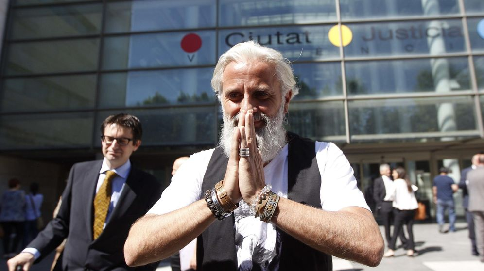 Foto: Primera aparición pública de Benavent en los juzgados para convertirse en el gran delator. (EFE)