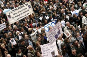 Familiares y amigos de Marta del Castillo exigen un referéndum sobre la cadena perpetua