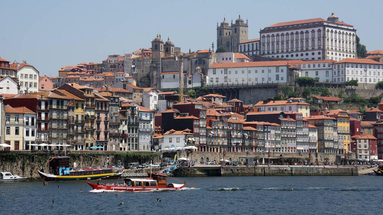 Foto: Vista del casco histórico de Oporto.