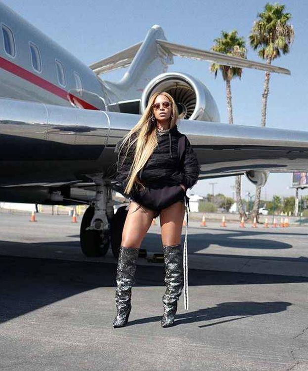 Foto: Beyoncé y su costosísimo estilismo para viajar en avión. (Instagram)