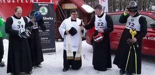 Post de La carrera más santa: sacerdotes esquiando en honor a Juan Pablo II