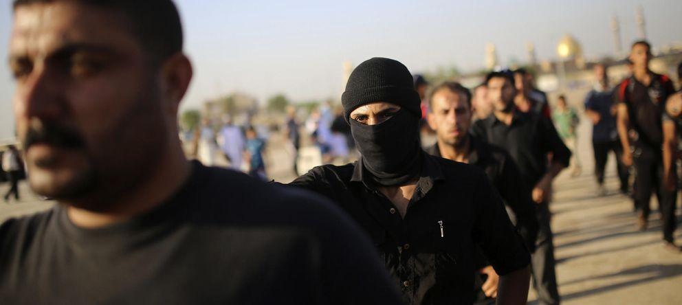 Foto: Milicianos del Ejército del Mahdi, leales al clérigo chií Al Sader, enemigo del ISIS, durante un entrenamiento en la ciudad santa de Nayaf, Irak (Reuters).