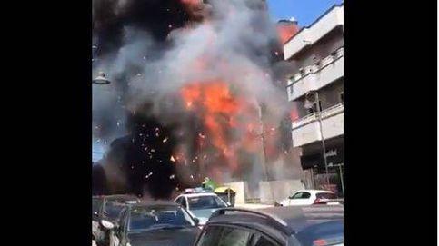 Grave incendio en Silleda: 30 desalojados, un edificio calcinado y un bombero herido
