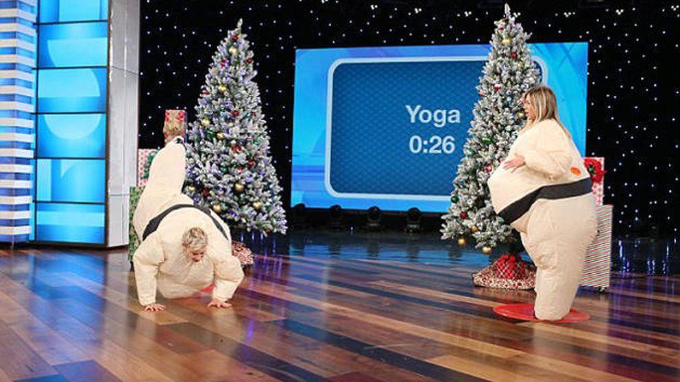 Jennifer Aniston hace 'twerking' disfrazada de luchador de sumo