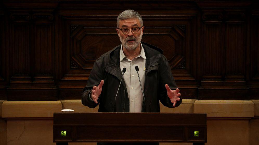 Foto: El diputado de la CUP Carles Riera, durante un debate en el Parlament. (Reuters)