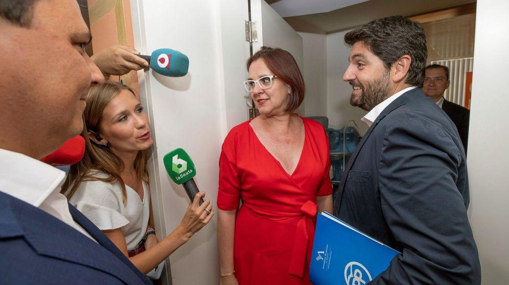 Foto: El presidente de Murcia, Fernando López Miras, y la vicepresidenta, Isabel Franco. (EFE)