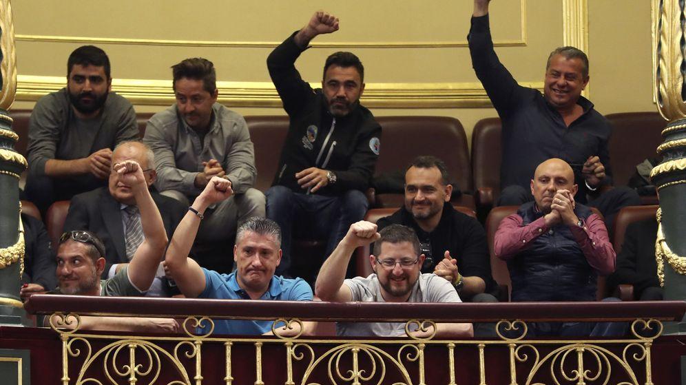 Foto: Los estibadores salen reforzados tras la derrota del Gobierno en el Congreso. (EFE)