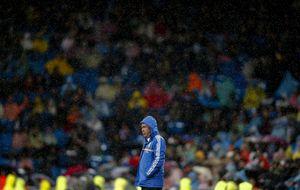 Un Santiago Bernabéu mosqueado repartió pitidos a diestro y siniestro