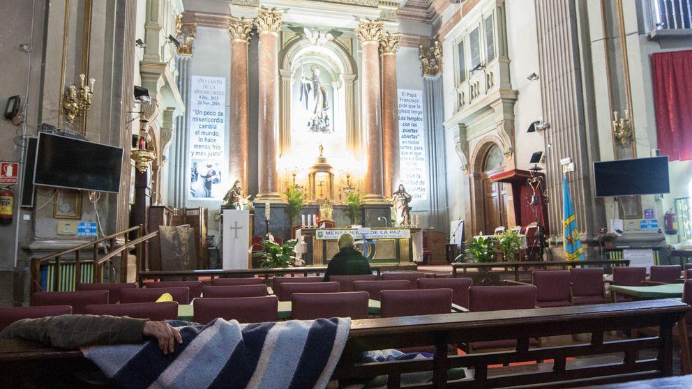 La iglesia 24 horas de Madrid, una noche entre 'hipsters' y vagabundos