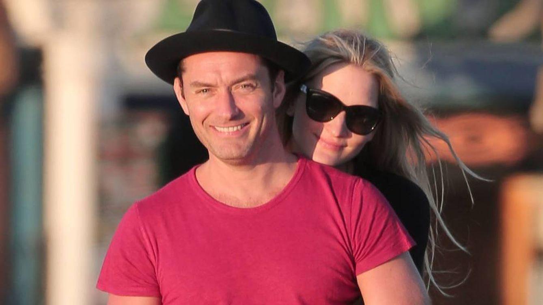 Jude Law desvela en televisión el nacimiento de su sexto hijo
