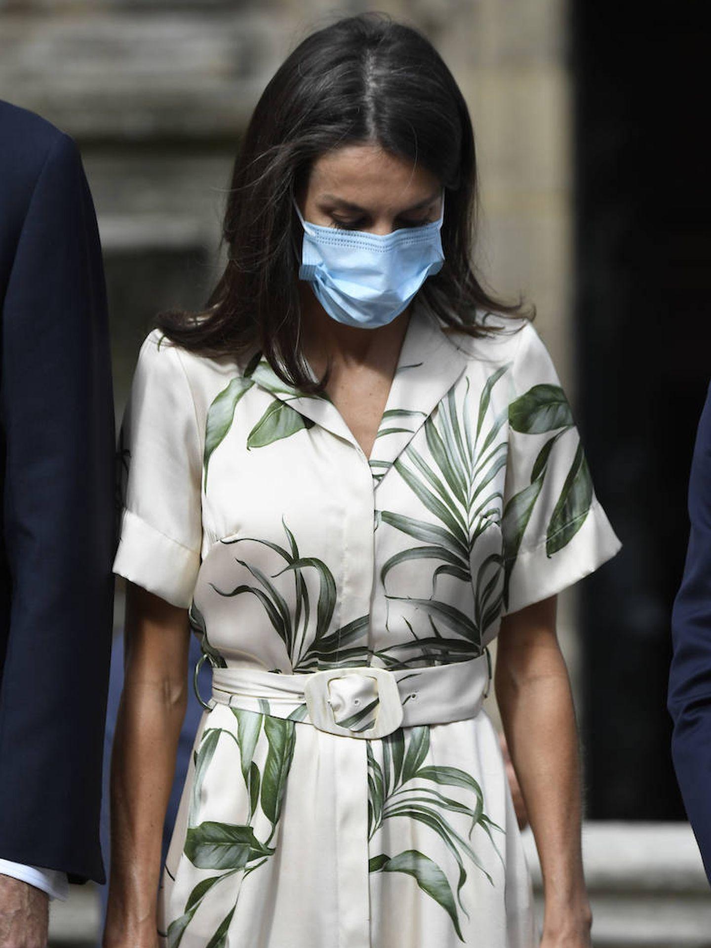 La Reina ha lucido un diseño de Pedro del Hierro. (Limited Pictures)