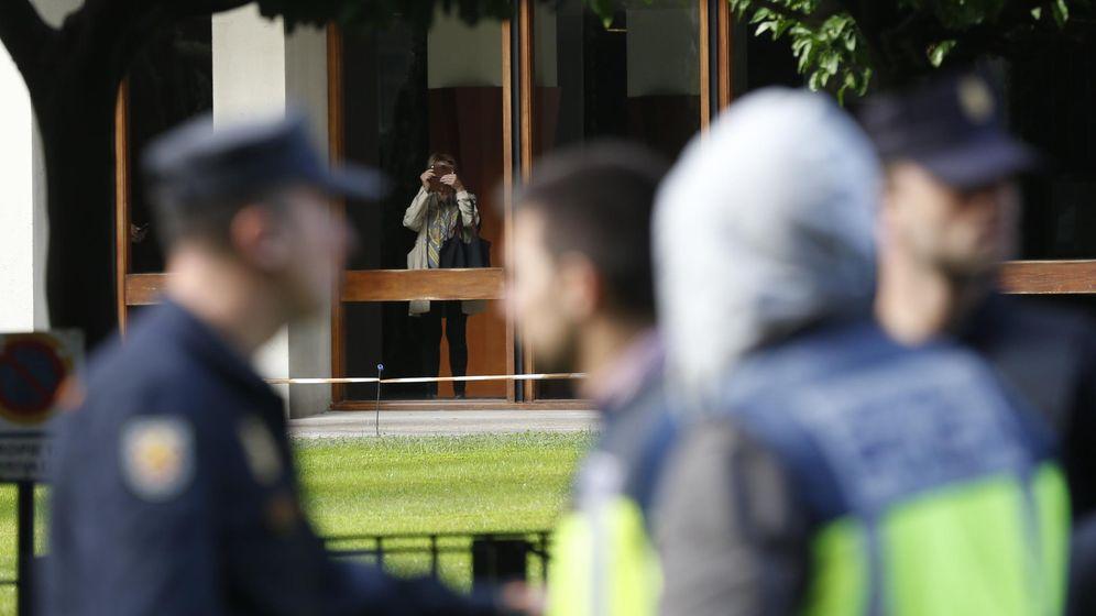 Foto: Ausbanc habría contado con la colaboración de dos altos cargos de la Comunidad de Madrid que fraccionaron subvenciones para poder entregárselas a dedo. (EFE)