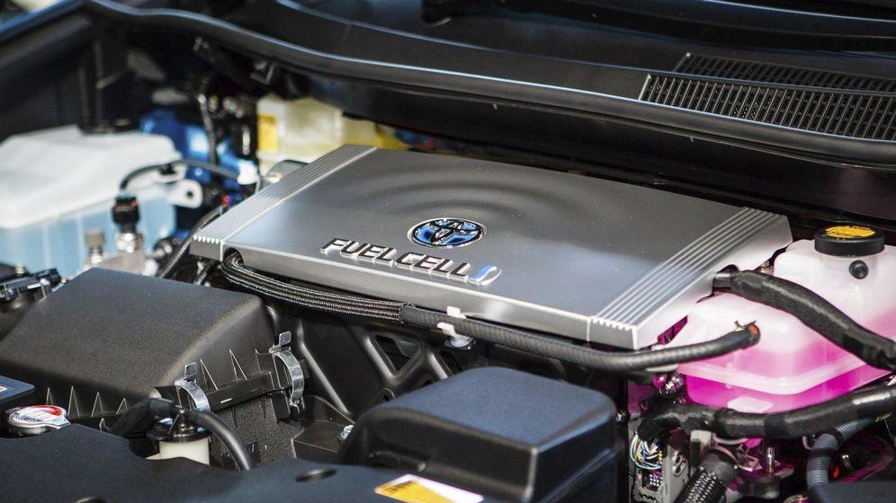 Foto: Vista del motor del Mirai, el coche de hidrógeno de Toyota. EFE/Christopher Jue