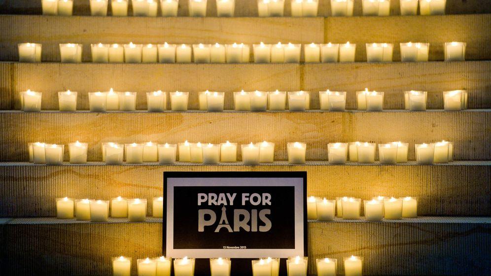 Foto: Muestras de solidaridad con las víctimas del atentado de París en Alemania. (EFE)