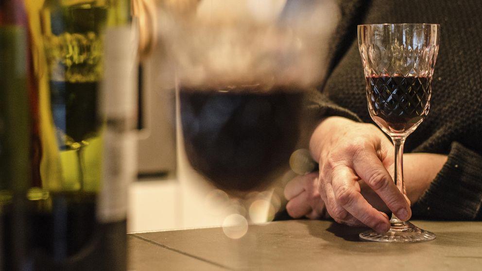 La razón por la que deberías beber una copa de vino todas las noches