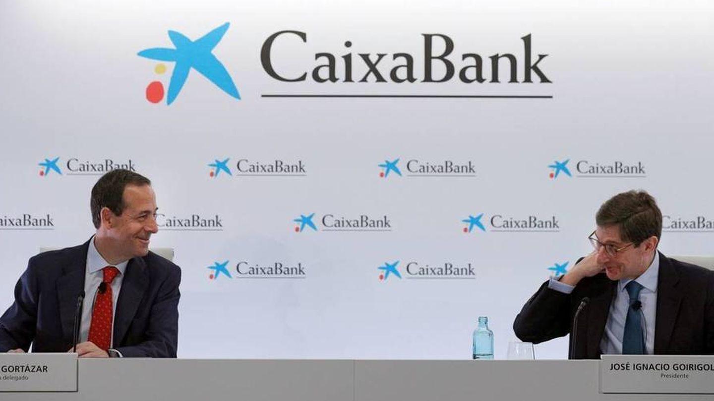 El presidente de CaixaBank, José Ignacio Goirigolzarri (d), y el CEO, Gonzalo Gortázar. (EFE)