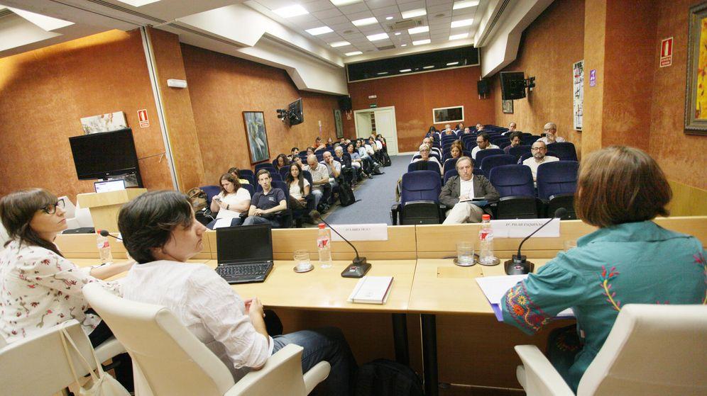 Foto: Ponencia de especialistas jurídicos y financieros en las jornadas de formación de nuevos concejales. (Enrique Villarino)