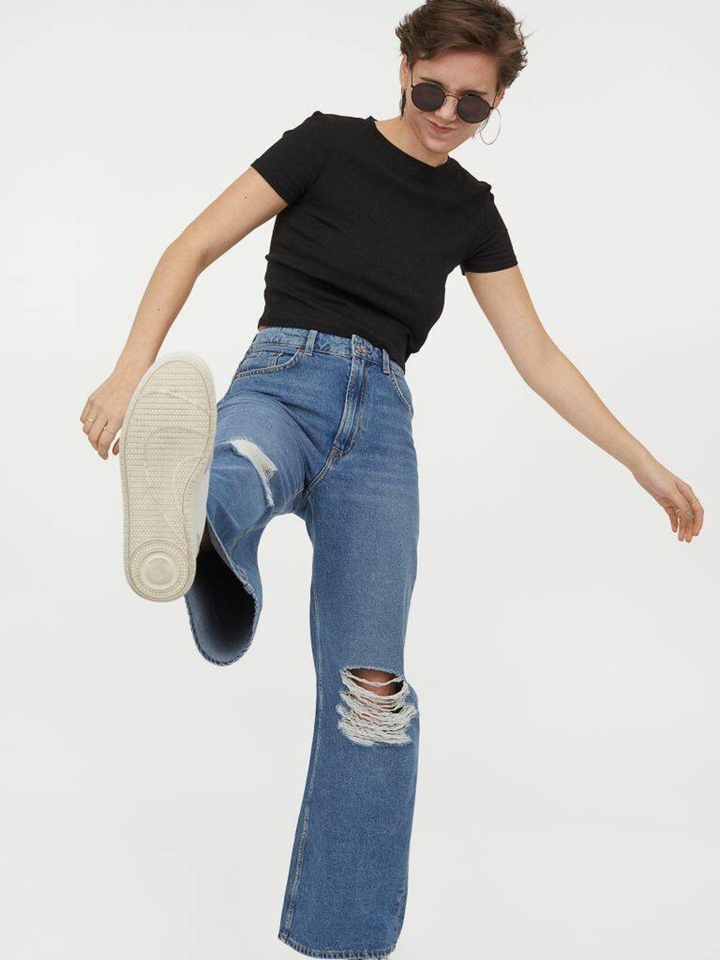 El pantalón vaquero perfecto para mujeres bajitas es de HyM. (Cortesía)