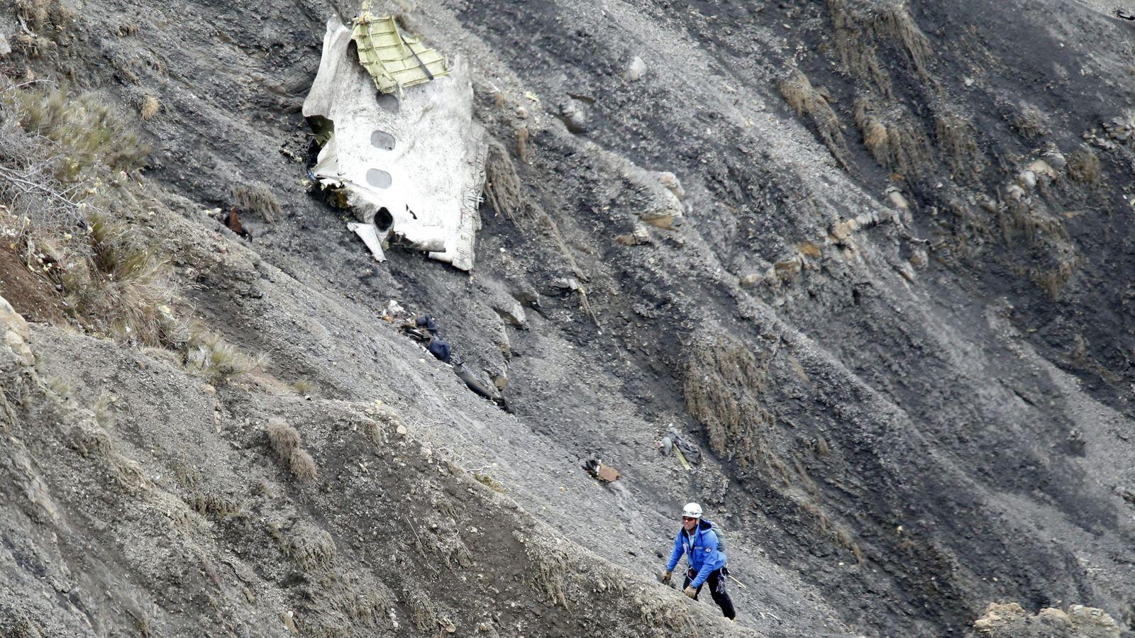 Foto: Restos del Airbus A320 de Germanwings tras el accidente en Francia. (Efe)