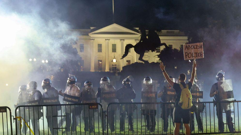 Foto: Protestas frente a la Casa Blanca, en EEUU. (Reuters)