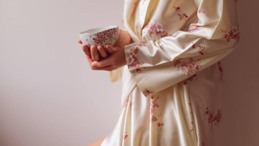 Foto: Nada como un pijama de satén para sentirnos realmente cómodas. (Unsplash)