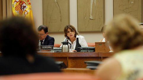 La ministra de Justicia insiste en que es una víctima de Villarejo y ataca al PP