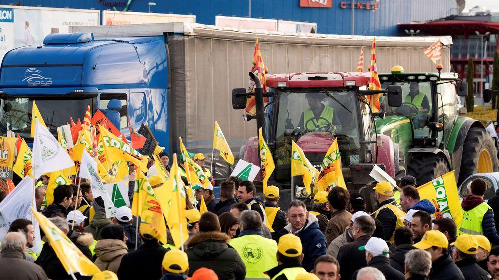 Foto: Concentración para protestar por los precios del sector. (EFE)