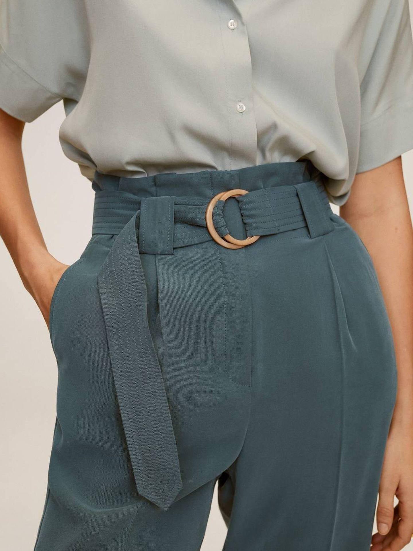 El pantalón de Mango Outlet. (Cortesía)