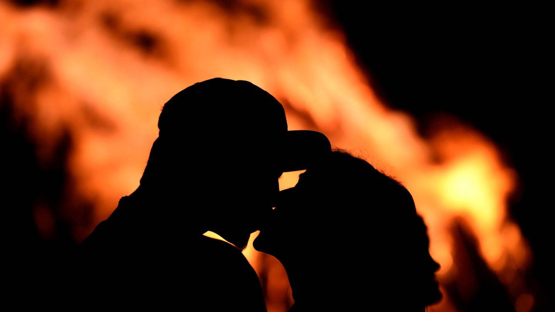 Un noche mágica (y romántica) la de San Juan. Es lo que tiene el fuego...