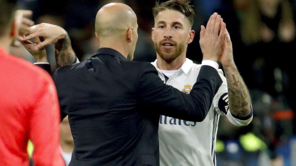 Foto: Sergio Ramos y Zidane, algo más que entrenador y jugador. (EFE)