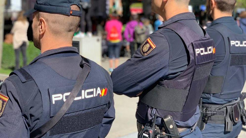 Foto: Agentes de la Policía Nacional de guardia (Policía Nacional).
