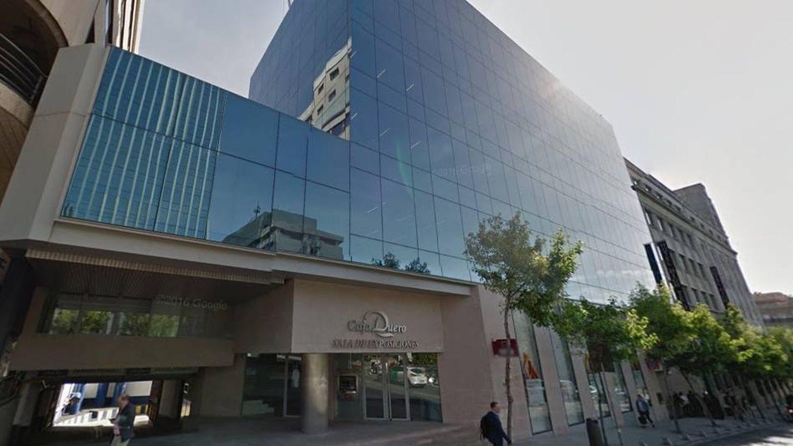 Foto: Edificio en venta en la calle Marqués de Villamagna.