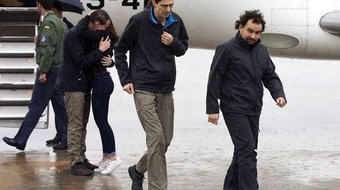 Pampliega, López y Sastre llegan a España tras casi un año de secuestro en Siria