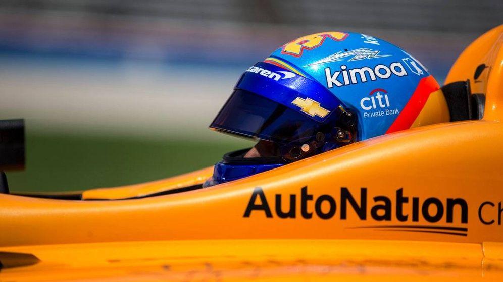 Foto: Alonso al volante de su McLaren Chevrolet.
