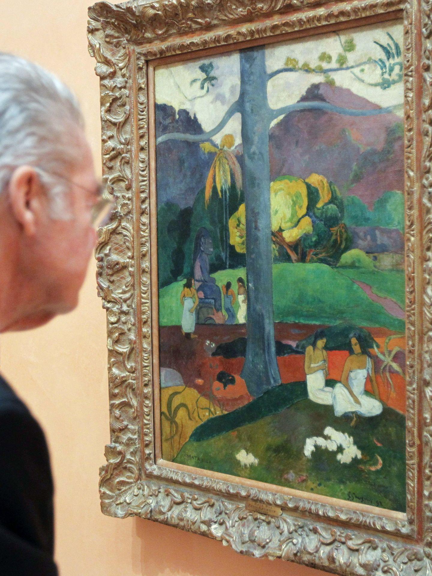 El político austriaco Heinz Fischer observa la obra 'Mata Mua' en 2013. (EFE)