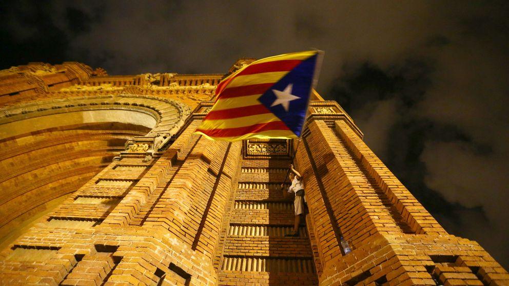 Así se precipitó la salida de las empresas de Cataluña: El discurso del Rey fue decisivo
