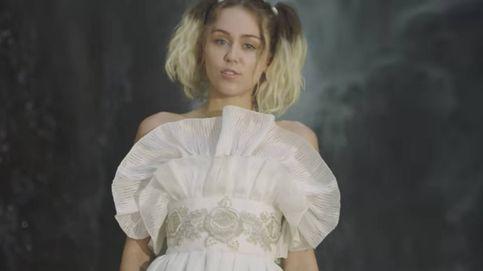 Miley Cyrus se viste de Palomo Spain en su videoclip 'Malibu'