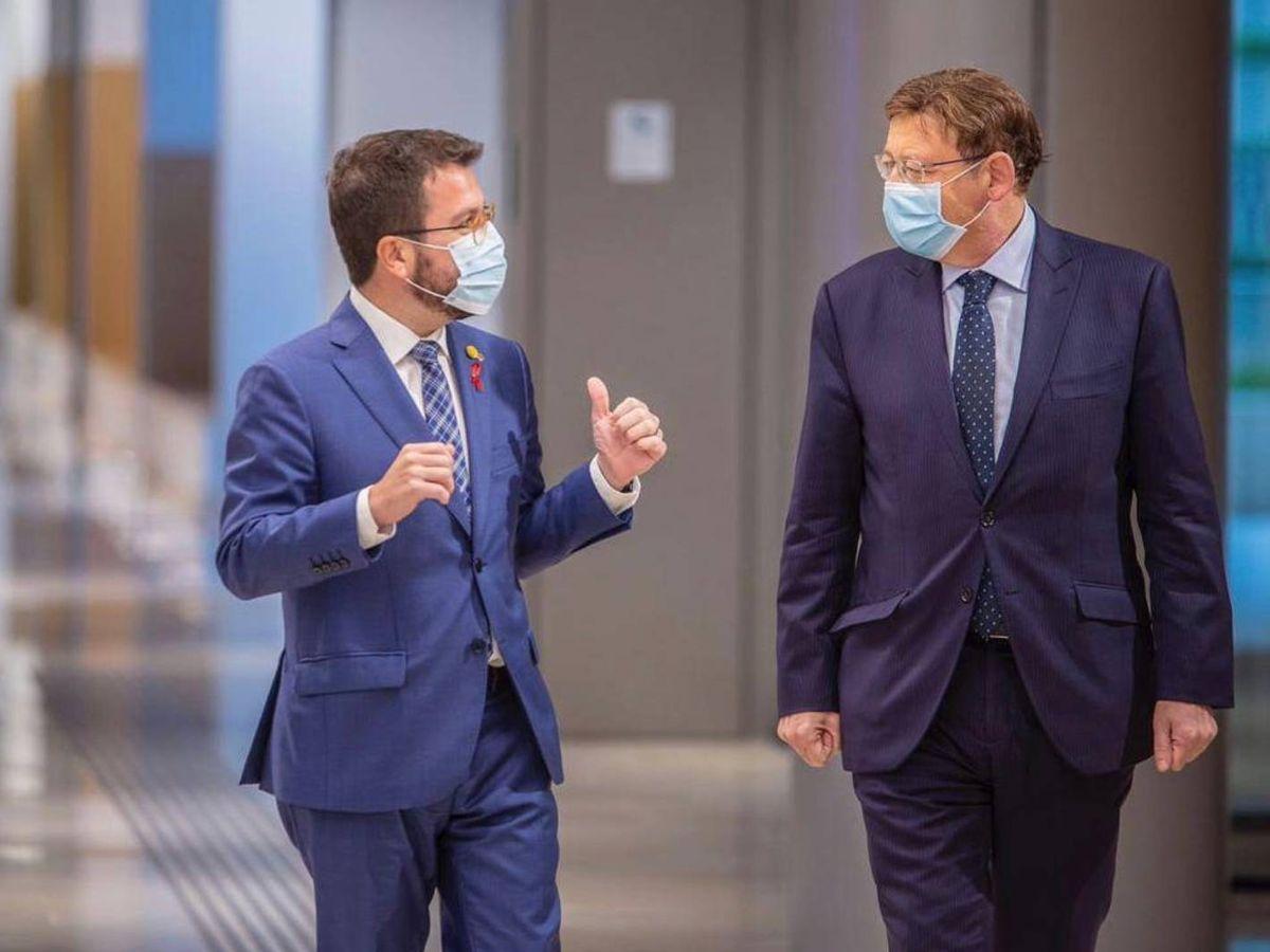 Foto: Pere Aragonès y Ximo Puig, en la reunión que mantuvieron en Barcelona en diciembre de 2020. (GenCat)