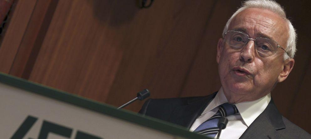 Foto: El expresidente de la Asociación Española de la Banca (AEB) Miguel Martín. (EFE)