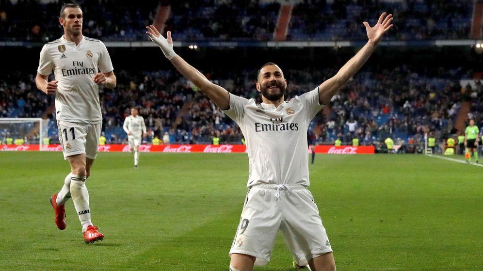Foto: Benzema celebra el gol del triunfo contra el HUesca en el Bernabéu. (Efe)