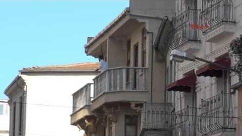 El 'Robin Hood' turco: roba un banco y tira más de 9.000 euros por el balcón